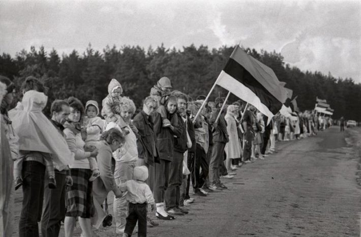 The Baltic Way. Photo: National Archives, Harald Lepikson